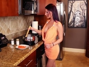 free amateur kitchen fuck videos
