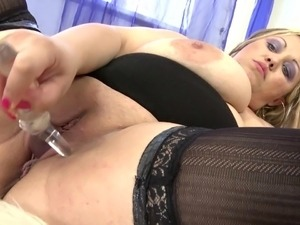 sabrinas juicy pussy shafted to orgasm