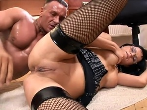 Secretary Renata fucked in black fishnet stockings