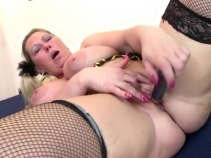 mother spanks naughty girls videos