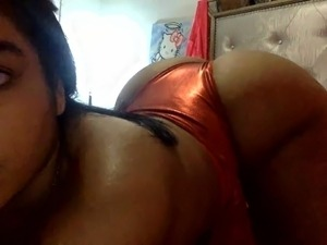 ebony bitch sucks good dick