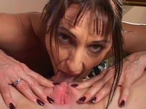 free ebony lesbian porn vids