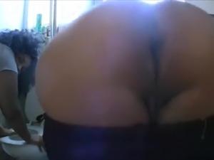amateur ass shaking video