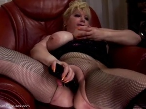 Grannies, Matures, Mom, Big-feet, Big-hands, Big-mom-sex, Big-sex,...