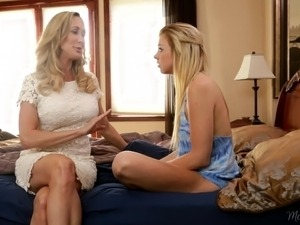 Mommy Brandi Love teaching Tara Morgan