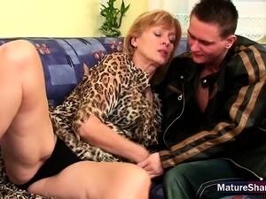 son cums inside moms pussy