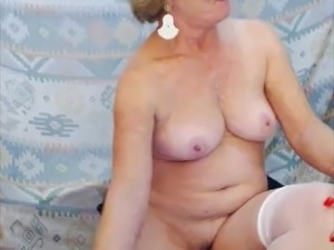 mature lady in bedroom on webcam