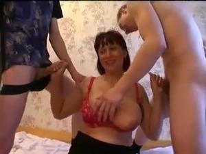 videos mom fuck boy