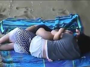 girls on beach oral sex