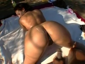 big butt girl blonde white