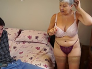 Old lady sex pic