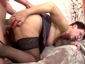 mom home vids porn