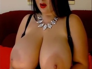 pictures of woman with huge tits