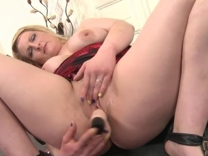 free amateur mature pussy thumbs