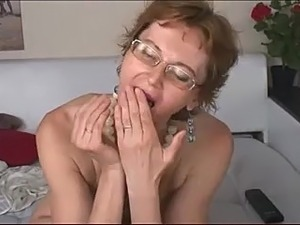 older women in sex video