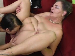 ebony mature lesbian