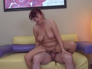 mature mom movies xhamster