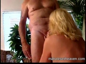 mature swinger cum groupsex