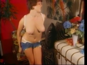galleries of vintage busty mature women