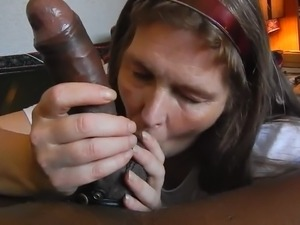 Amateur swallow cum