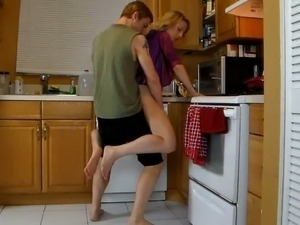 free housewife fuck video