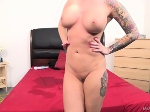 Bodacious blonde slut gets drilled rough and releases her hot juices