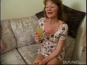 Kinky granny still loves it when her face is decorated with the cum