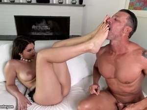 slutload black mature maid gets fucked