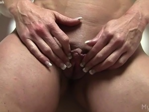 mature big clit video
