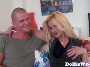 housewifes who fuck the delivery boy