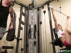 Gorgeous blonde seduces a guy in the gym and has him banging her cunt