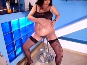 naked black pregnant women