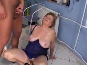 mature milf masturbating movies