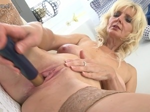 mature moms fucked by black cocks