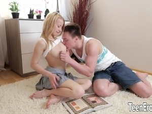 Young blonde fuck and facial