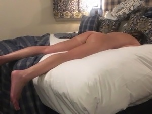 couples share hotel room for sex