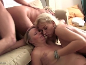 free grannie pussy galleries