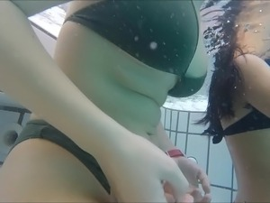 2 teens  with nice curve very sexy pool