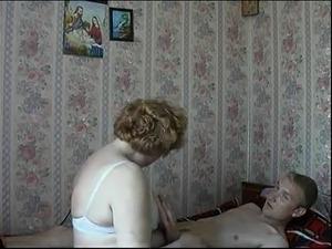 sexy mature moms gets fuck