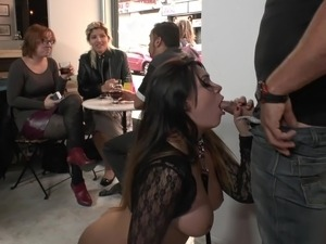 hot spanish girl butt photos