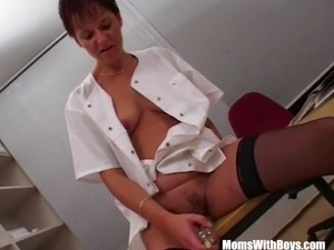 dick flashing the maid