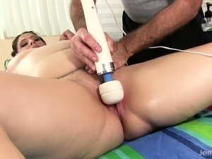 asia girl gets erotic massage video
