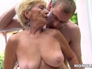 Hairy movie sex