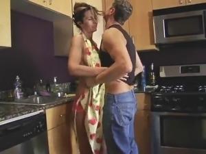 naked lesbian moms