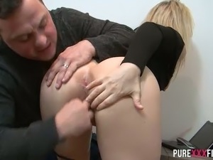 Horny hubby bangs his busty blond MILF Olga in doggy pose after stout DT