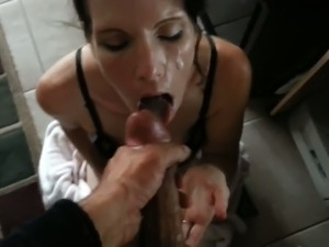 skinny pussy spreading pictures