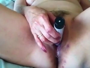 local mature sluts masturbate video