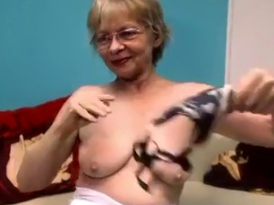 naked mature pussy on webcam