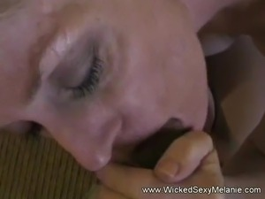 naturally shaved pussy