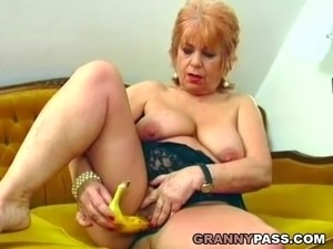 girl playing pussy with banana